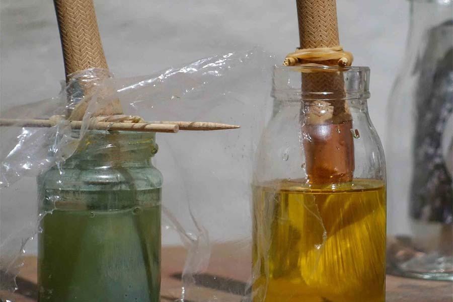 Reinigen der Pinsel nach Verwendung von Leinölfarben